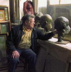 Щетинин Прокопий Алексеевич в своей мастерской
